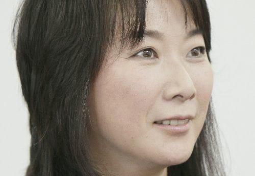 作家村山由佳さんインタビュー全文(6)タトゥー入れて、物書きの腹が据わった : yomiDr.
