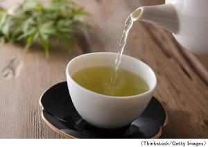 毎日緑茶飲む人は認知症になりにくい?