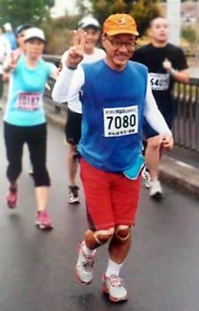 2012年の「手賀沼エコマラソン」で力走する筆者