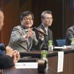 座談会で活発な意見を交わした津村和大さん、大川力也さん、森永卓郎さん(右から)(10月15日、東京・大手町のKDDIホール)