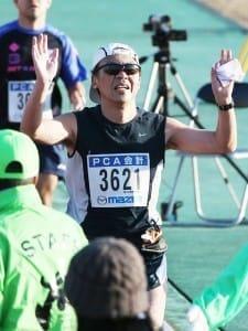 防府読売マラソンでゴールする筆者(2013年12月)