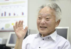 「平均寿命が長い香港を調査した際、高齢者と家族の結びつきが非常に強いのが印象的でした。長寿には心の健康も重要と気づきました」(兵庫県西宮市で)=浜井孝幸撮影