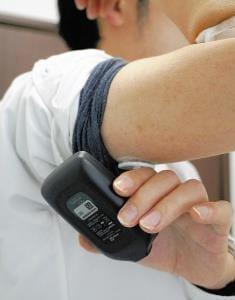 糖尿病治療のいま(5)携帯測定器で変動つかむ