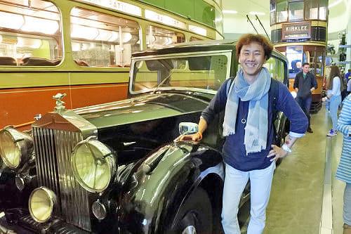スコットランドでは、交通の歴史をテーマにしたリバーサイド博物館も見学しました。貴重なクラシックカーなども展示されていて、車好きの私は大興奮でした