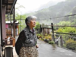 [老いをどこで]地域「超高齢の村」(2)そしてネコだけが残った