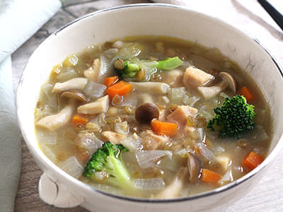 レンズ豆と鶏むね肉のスープ
