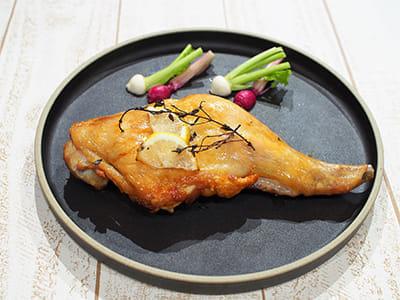 鶏もも肉のレモンハーブ焼き