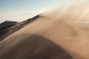「光の線がキラキラ」「砂嵐」 邪魔なものが見える「視覚陽性現象」は多様