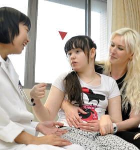 露の難病少女 治療順調…病気の原因、新潟で判明