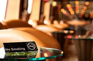 飲食店や職場の全面禁煙で非喫煙者の血圧が低下
