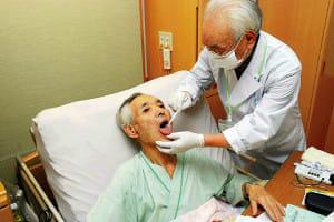 歯科訪問診療(3)がん患者の食事後押し