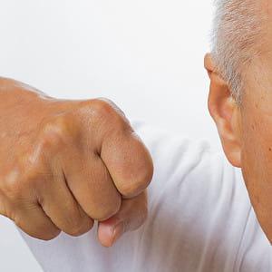 「お父さんが看護師を殴って」…病院から連日の電話 手術後のせん妄状態で生きた心地せず