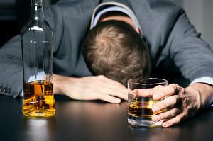 アルコール依存症に国内初の飲酒量低減薬が登場