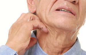父の湿疹に医師は「年のせい」  治らず別の病院に行くと、「あった! 皮膚に卵が」…