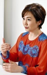 [女優 生稲晃子さん]乳がん(4)「公表」で気持ちも楽に