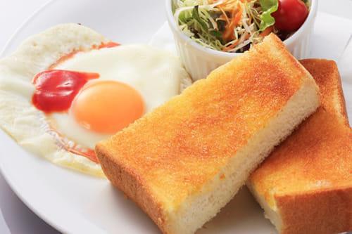 なぜ胃ろう患者の「朝食」は午前4時なのか…効率求める病棟の「暗黙のルール」を考える