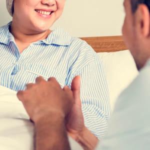 がんで余命2か月の38歳女性 夫に「本人には伝えないで」と頼まれたが…