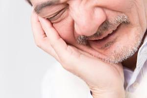 風が吹いただけで激痛…帯状疱疹が治っても続く神経痛 早期の治療が重要