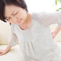 義母の介護で激痛に襲われた50代主婦…腰痛の原因はさまざま 検査より「鎮痛」を優先