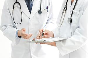 専門医に紹介されず悪化…病名を知るまでに10年かかった私が信頼できる医師に出会うまで