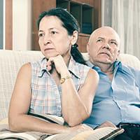 妻の忘年会に「俺の飯は?」と聞く定年夫…遅いと携帯鳴らし続け、「家庭内ストーカー」になる恐れも
