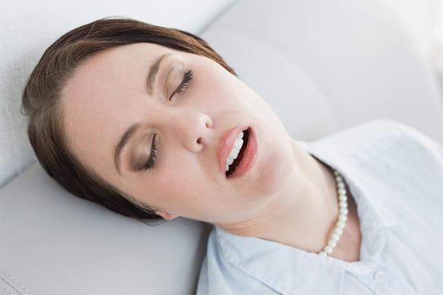 インフル、風邪に無防備な冬の「口呼吸」 寝不足、口臭の原因にも…無意識な口の開きを知るチェックリスト