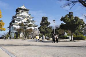 観光地 日本人も少なく…従業員、マスクで接客
