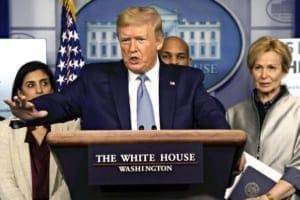 16日、ワシントンで新型コロナウイルスへの対策について発表する米国のトランプ大統領(AP)