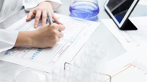 新型コロナ 抗ウイルス薬「レムデシビル」の医師主導治験 国内でも開始へ