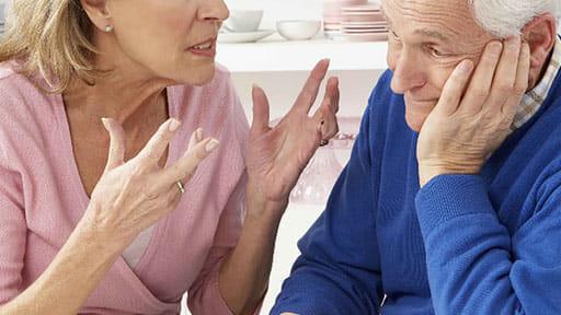 「スーパーで距離がとれない」「マスクを外す」…認知症の父 コロナで介護サービス縮小「どうすればいいの?」