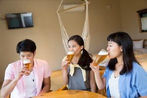 顔が赤くなるのは発がん性物質のせい…軽視されるアルコールのリスク 「巣ごもり飲酒」に注意