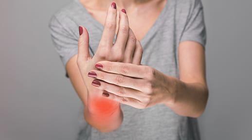 関節炎と皮膚炎に悩む50代女性 「炎」との「縁」どう断ち切った?
