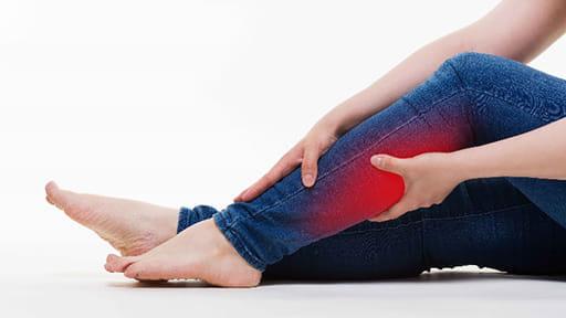 痛い「こむらがえり」の正しい応急法…繰り返すなら服薬、注射も