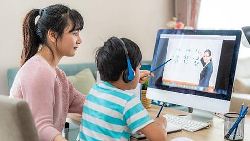 送迎よりも大変なオンライン授業のお世話…3か月の休校で分かった「集団教育をする意味」