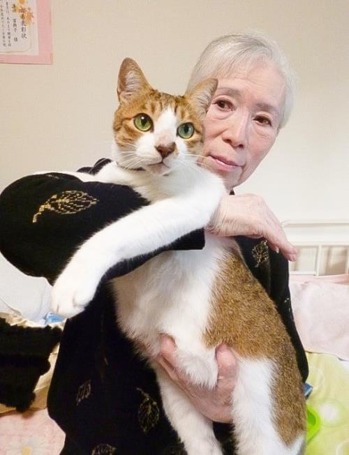 後藤さんと愛猫の祐介君(さくらの里山科で)