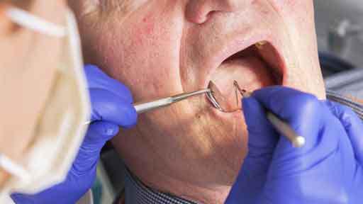 緊急事態宣言下に「歯が取れた!」…幻の歯科医院を目指す父 治療室を1日3度訪ねる入れ歯騒動の末に…