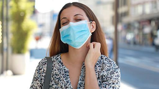マスクで皮膚炎も「新しい生活様式」全てを受け入れるのは…
