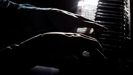 【Track2】そこに、ピアノがあった。――意識不明の夫を見守る女性のパニック発作――