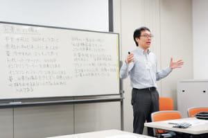 NPO法人日本慢性疾患セルフマネジメント協会で話す武田さん