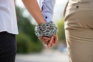 愛し合っているのに破綻する夫婦がいます…その原因は?