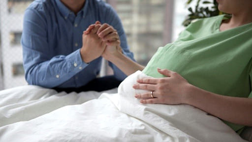 胸郭が小さく肺が育たない胎児 わが子の「誕生」と「看取り」を同時に迎える夫婦にどう寄り添うか