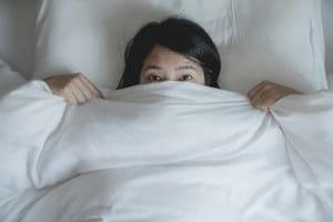 金縛りになった、どうすれば…有効なのは「二度寝」?