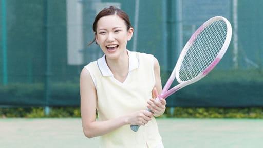 「テニス肘」初心者は外側、熟練者は内側に…安易なマッサージはNG!