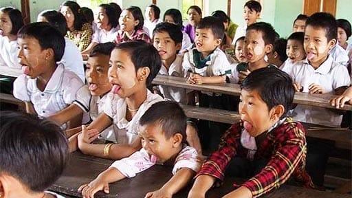 ミャンマーに響く「あ~、い~、う~、べ~」  子どもの健康願う日本人歯科医の挑戦
