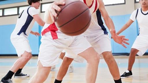 膝は「人体で最大の関節」 でも頑丈ではありません…痛みを癒やすには?