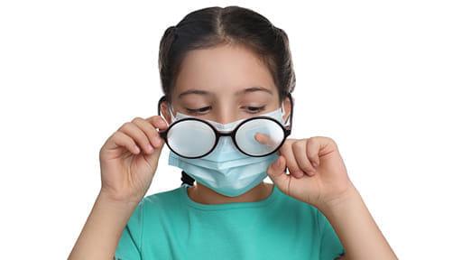 眼鏡で新型コロナ感染を抑制!? 中国・コホート研究