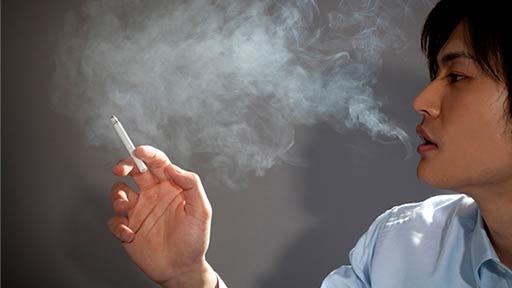 喫煙が排尿障害のリスクに、若年で顕著 約9,000人の大規模調査で判明
