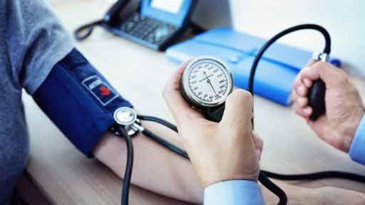 """""""血圧の左右差""""が死亡、心血管リスクに 5万例超のメタ解析"""
