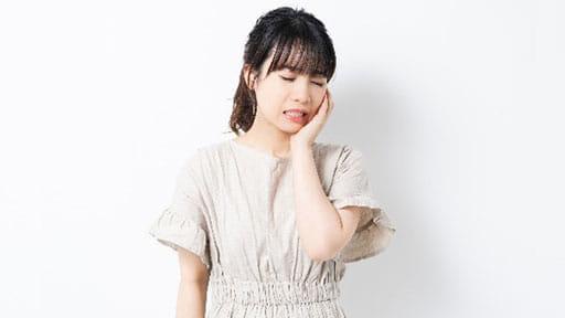 女性に多い「うずくような顔の痛み」…原因不明の非定型顔面痛 感情や天候の変化で誘発も