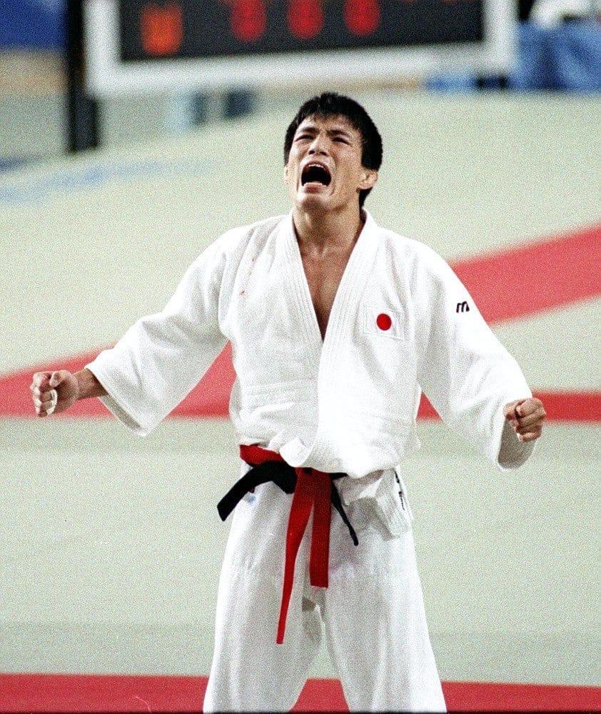 バルセロナ五輪で金メダルを獲得した古賀稔彦さん(1992年7月31日)=秋山哲也撮影